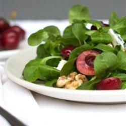 Mâche and Cherry Summer Salad